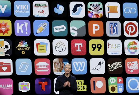 Tim Cook alla Conferenza sviluppatori di Apple © AP