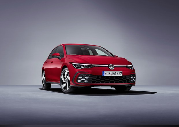 VW: Golf 8 si fa in tre, disponibile anche l'ibrida © ANSA