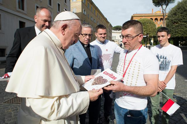 Members of the Polish Caritas meet Pope Francis ©