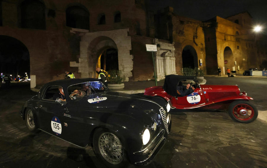 Historical 'Mille Miglia' vintage car rally © Ansa