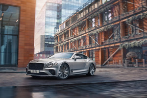 Bentley Continental GT, la Speed è versione più 'estrema' (ANSA)